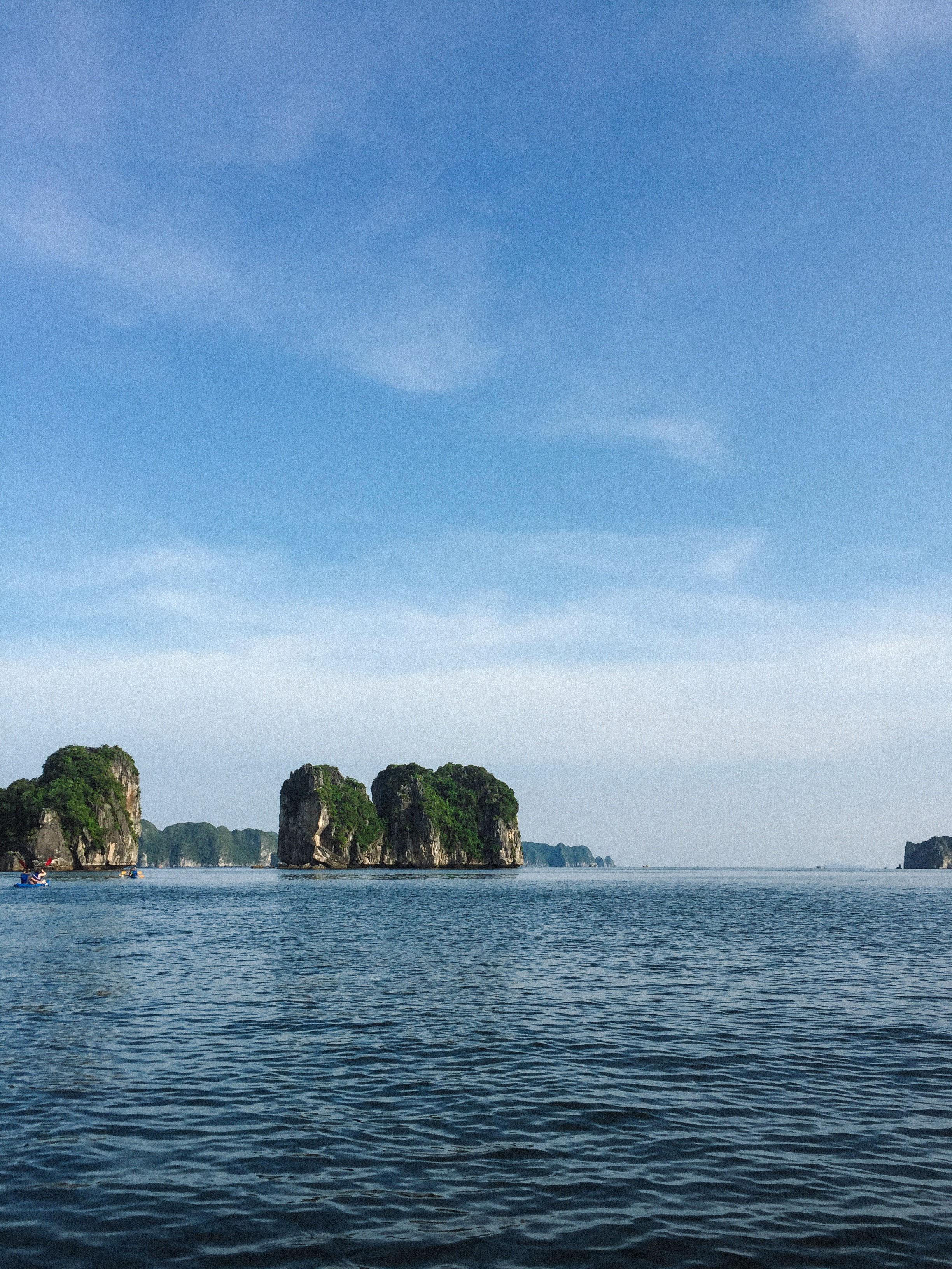 Lesly Lotha_Ha Long Bay_Vietnam 03_2017.jpg