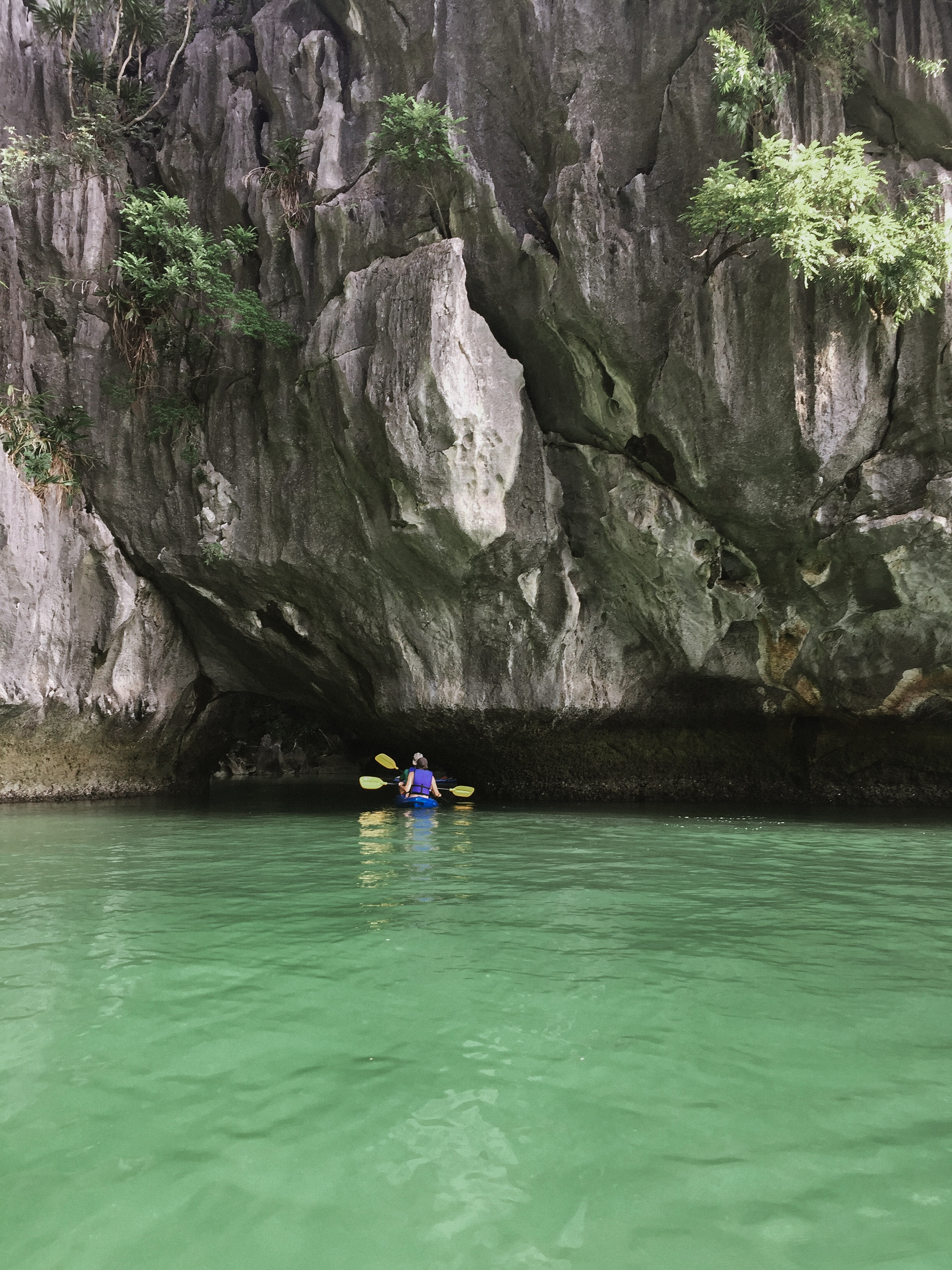 Lesly Lotha_Ha Long Bay_Vietnam 08_2017.jpg