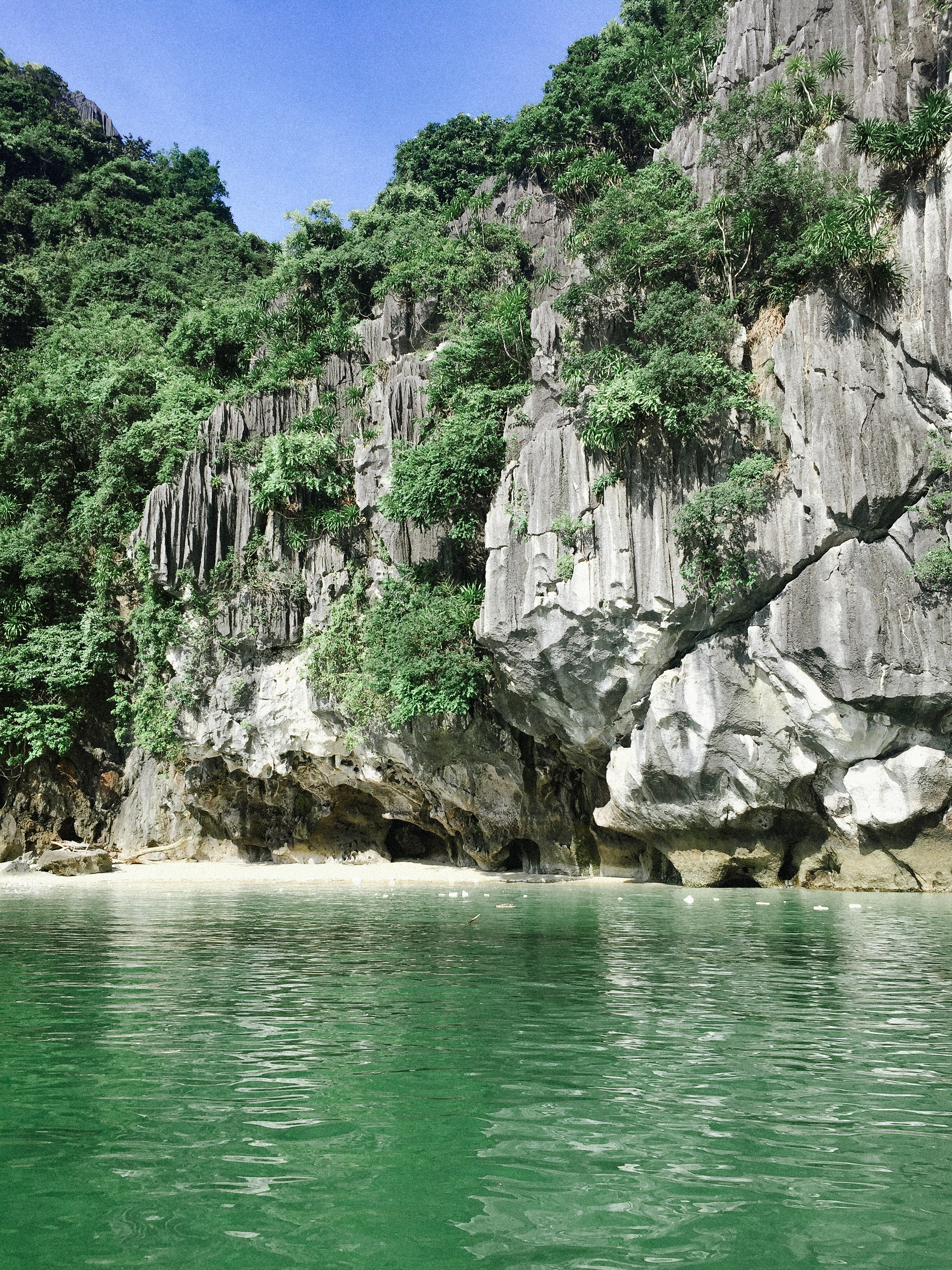 Lesly Lotha_Ha Long Bay_Vietnam 07_2017.jpg