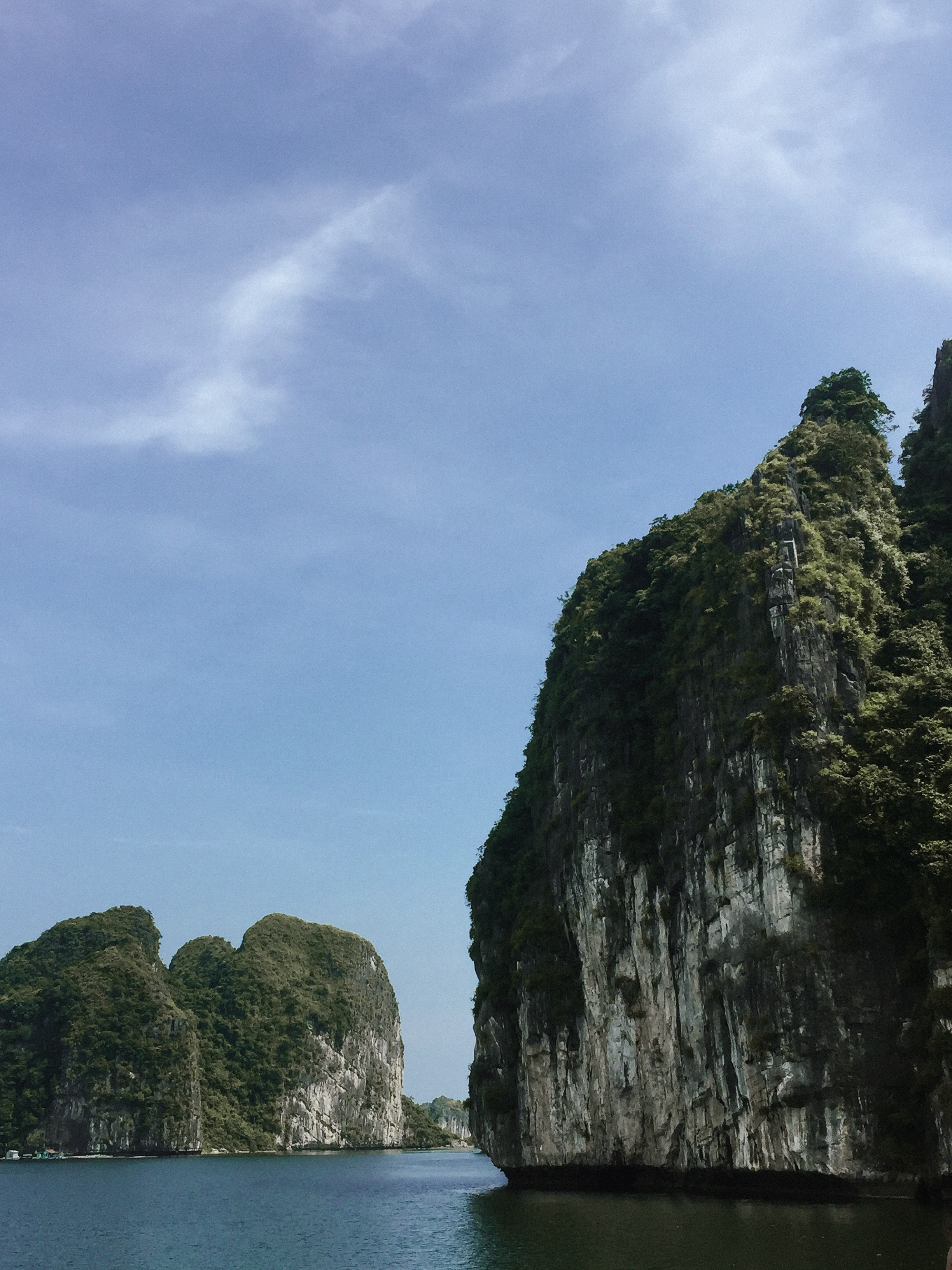 Lesly Lotha_Ha Long Bay_Vietnam 12_2017.jpg