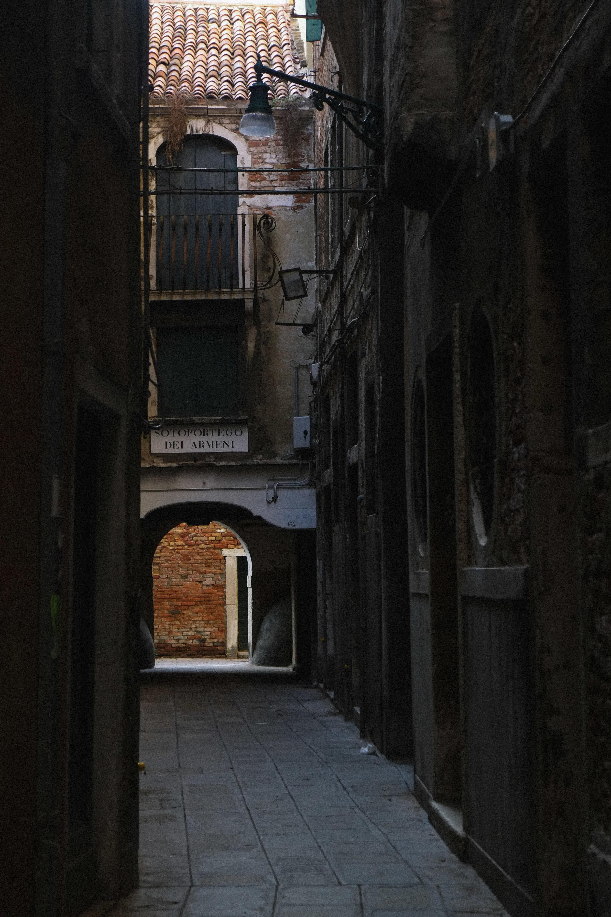 Lesly Lotha_Venice_Italy 03.jpg