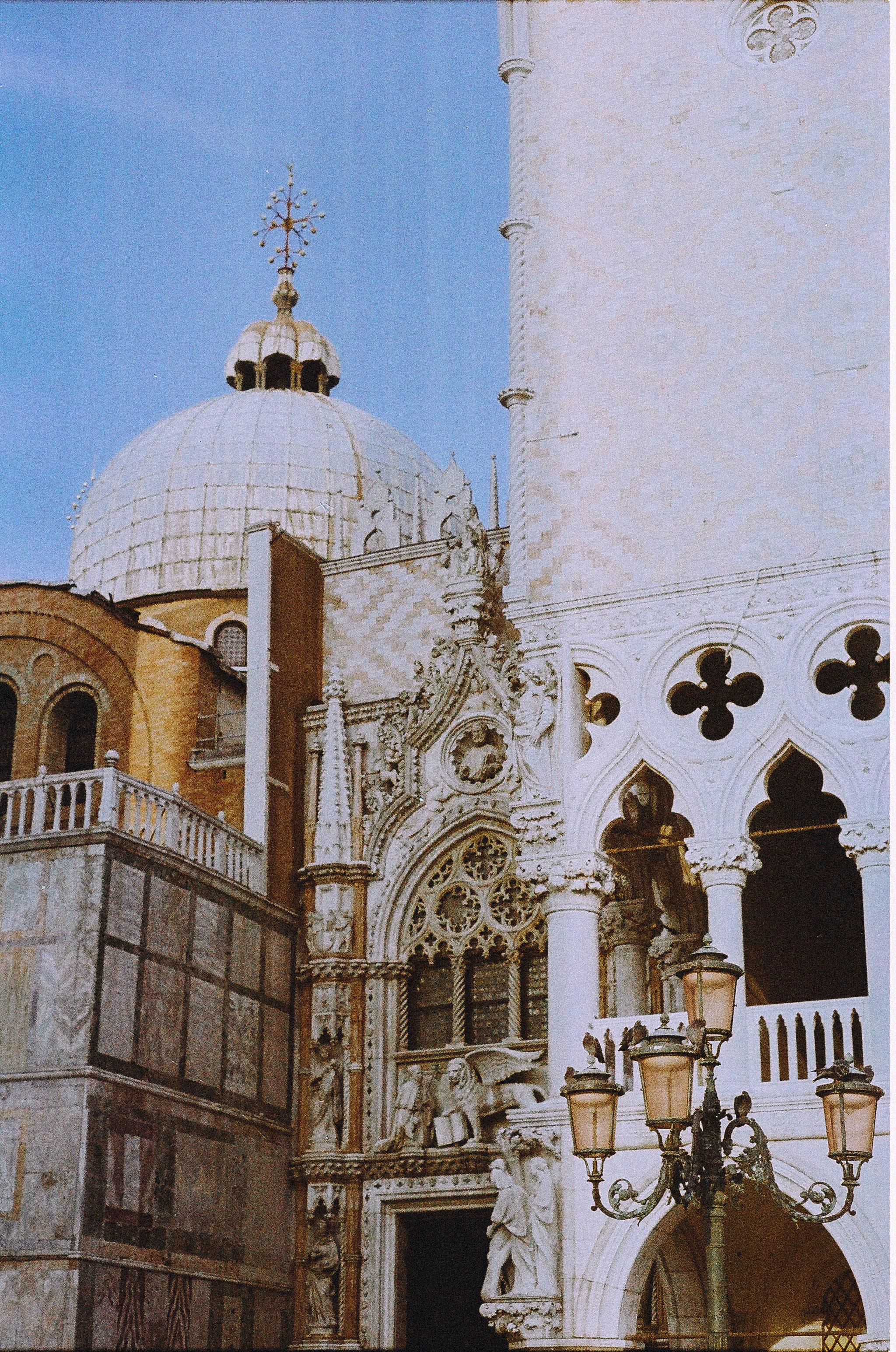 Lesly Lotha_Venice_Italy_Film Photography 04.jpg