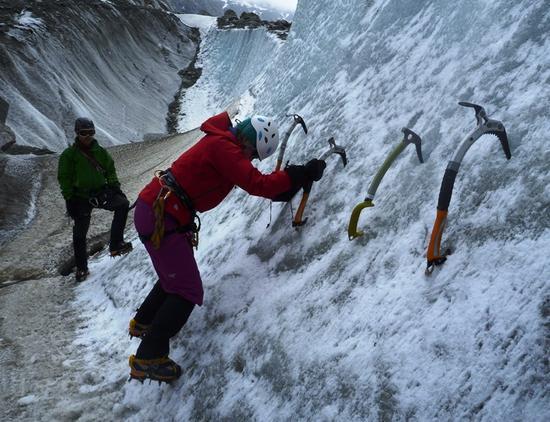 Prática de gelo antes da subida ao Mont Blanc