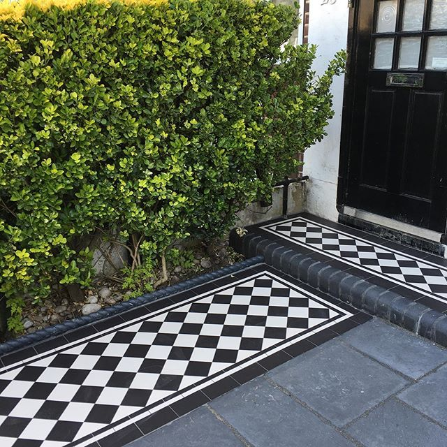 Thumbs up for Walter 07807187106 mailto:walter@tilerevolution.co.uk we are very happy with out new #Edwardian #tiled #frontpath. #restoration #edwardianlondon #outdoortiles #walthamstow #victoriantiles #victorianhouse #edwardianhouse