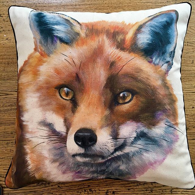 Two foxes ready for collection, Rusty is staying put! #cushions #fox #cat #softfurnishings #summer #cotton #wildlife #urbanfox #e17 #walthamstow