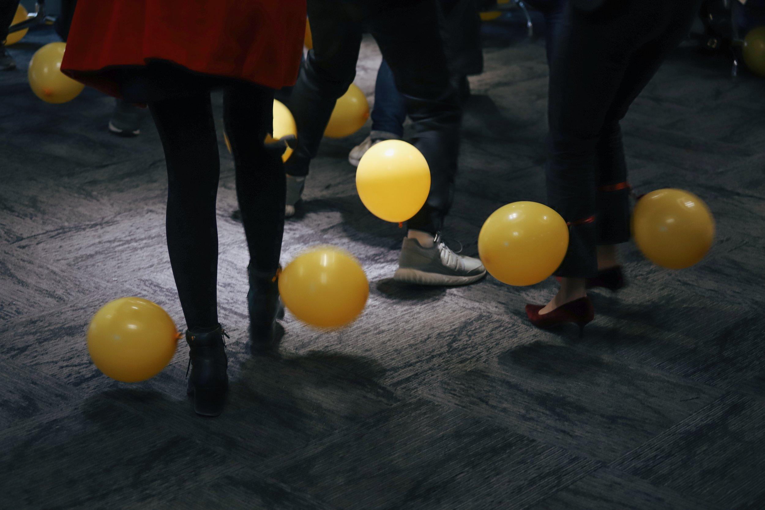 Roligare möten innebär nödvändigtvis inte ballonger, men varför inte?!