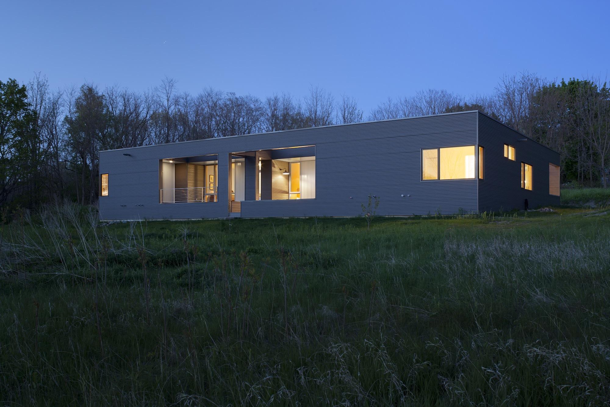 schickel-construction_barkowphoto_night-house.jpg