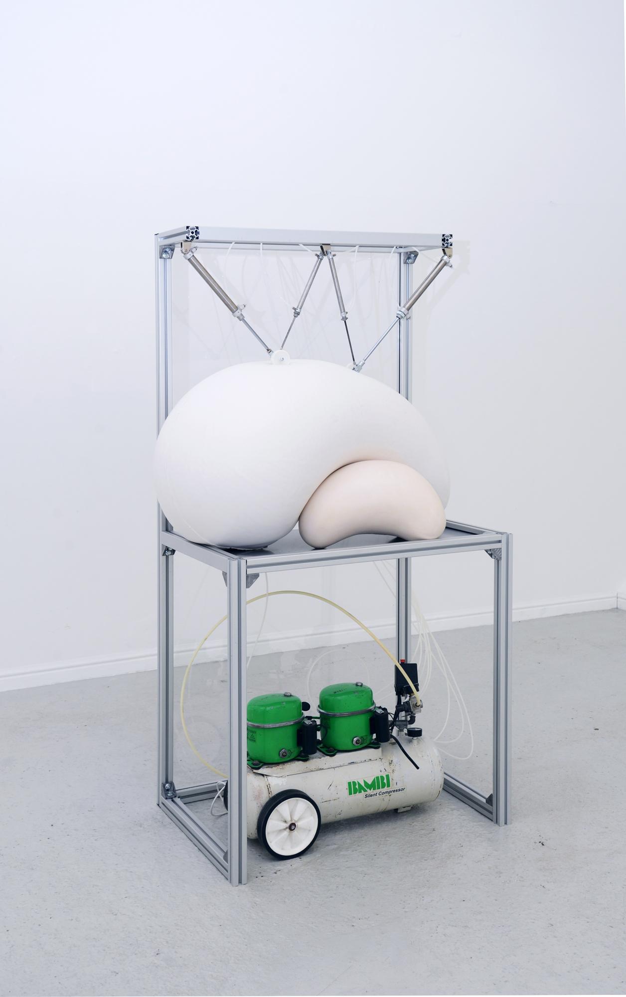Harrison Pearce, Bambi, silicone, aluminium, pneumaticas, 200 x 100 x 70cm 2018.jpg