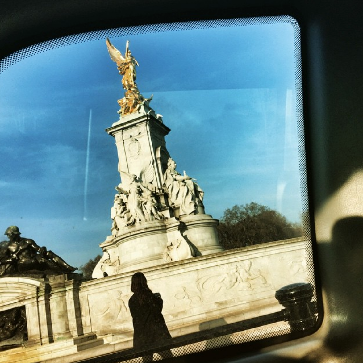 Passing Buckingham Palace on my way out of London in 2015.