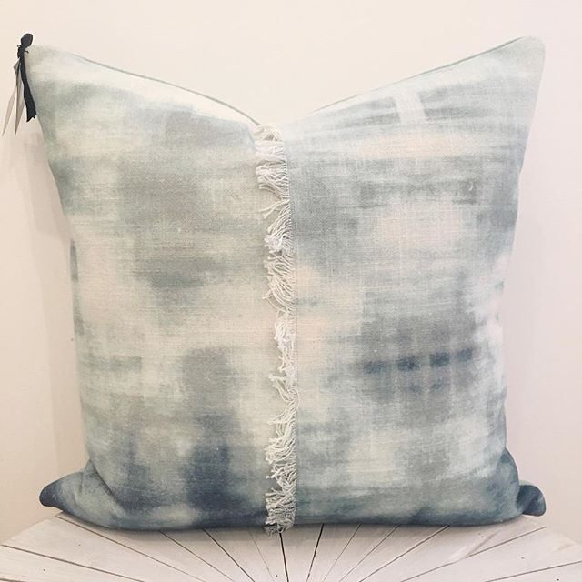 Add depth and texture to any space with this gorgeous pillow ✨ swipe left for a closer look of the printed design inspired by the morning fog 🌫  Find this and so many more from our curated collection in store or online! . . . . . . #accentpillows #throwpillows #homedecor #homestyle #interiordesign #interiorstyling #finditstyleit #makehomeyours #howyouhome #homeaccents #instadecor #pillowlove #sodomino #designenvy #homeinspo #myhousebeautiful #designgoals #currentdesignsituation #simplystyleyourspace #theeverygirlathome #decorcrushing #queensberrygreen #shopqueensberry #queensberrydesign #queensberrydd #shopnewburyport #shoplocal #newburyport #nbpt
