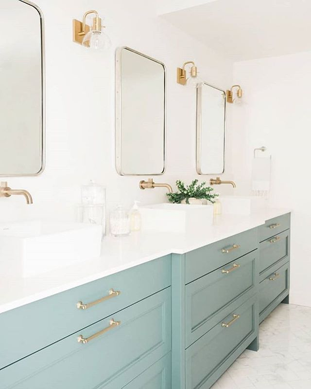 Wouldn't mind getting ready in this bathroom every morning ✨ Beautiful #designinspo by @houseofjadeinteriors  Cabinet color: Jack Pine by @benjaminmoore . . . . . #designinspiration #bathroomgoals #bathroomdesign #interiordesign #interiors #interiorinspo #homeinspo #homedesign #homedecor #myhousebeautiful #smmakelifebeautiful #prettylittleinteriors #homestyle #howyouhome #sodomino #bhghome #newenglandhome #coastalhome #queensberrygreen #design #decor #designideas #designgoals #livecolorfully #theeverygirlathome