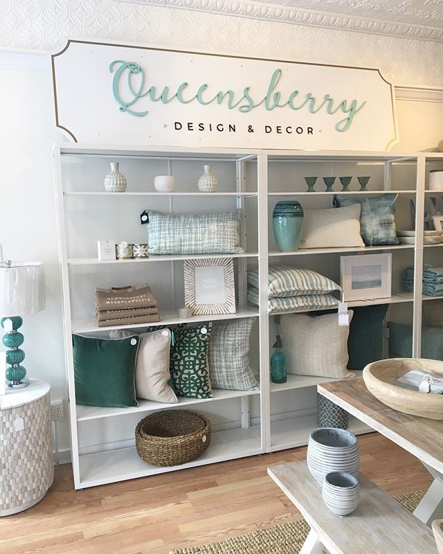 Happy Friday! 🌿 The shop got another refresh, stop in and see all the new! . . . . . . #springrefresh #homedecor #springdecor #homefurnishings #homestore #decorshop #coastaldecor #interiordesign #interiors #design #decor #instadecor #coastalhome #newenglandhome #newenglandliving #interiorstyle #designinspo #decorcrushing #howyouhome #queensberrydesign #queensberrydd #queensberrydecor #queensberry #queensberrygreen #queensberrystyle #shopqueensberry #shopnewburyport #newburyport #nbptliving