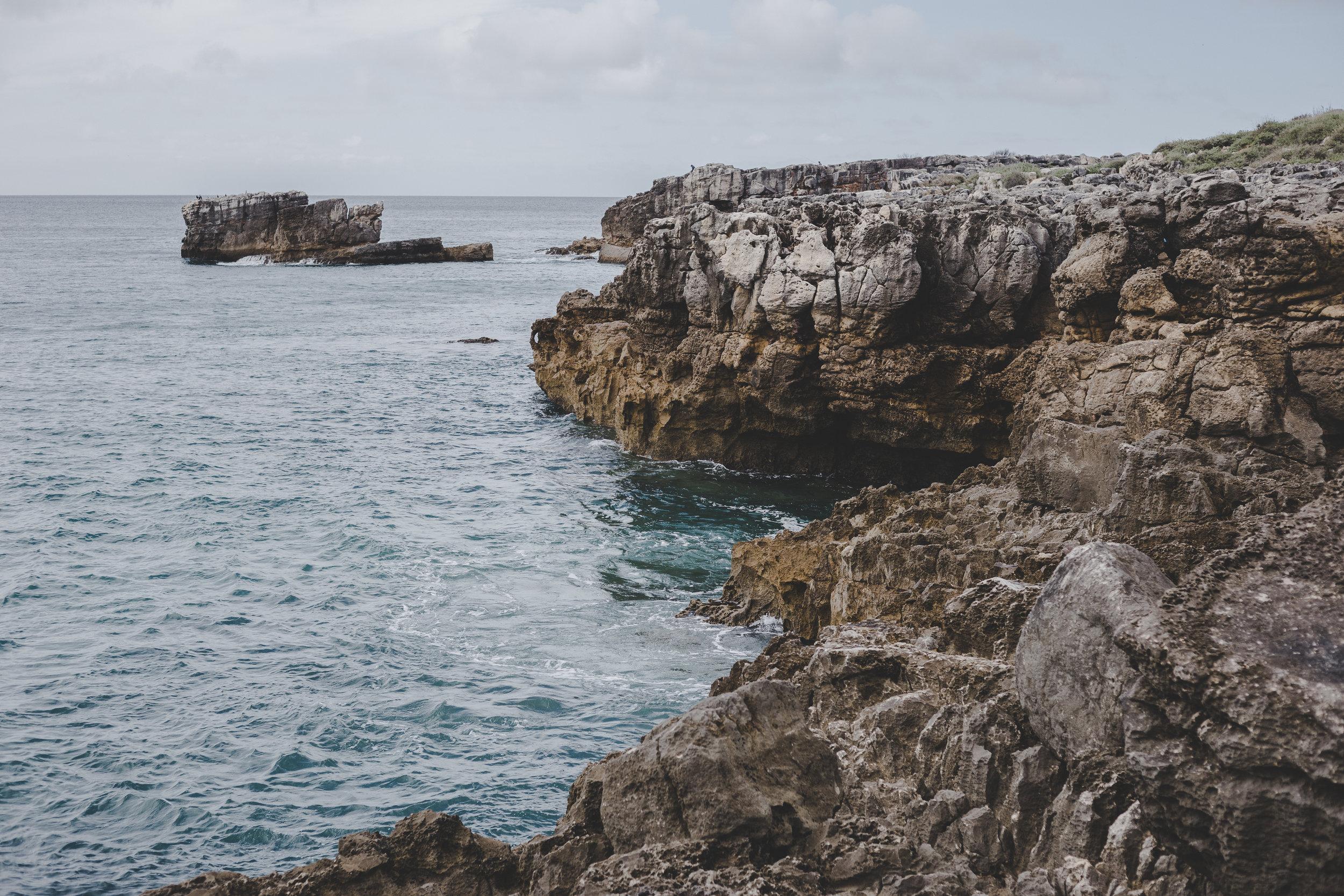 Along the coast near Boca da Inferno
