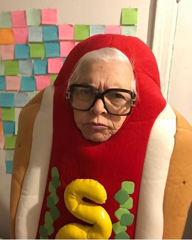 @lili_hayes loves hot dogs and sausages! You should too! Come try Jody Maroni's World Famous Sausages at the Venice Boardwalk!!