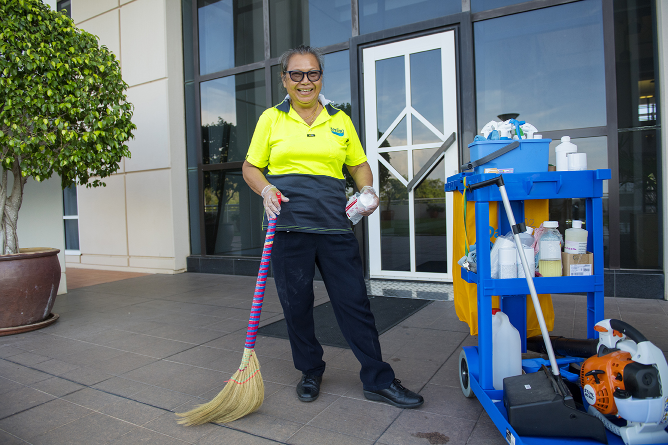 Cleaning_Parliament House_05.jpg