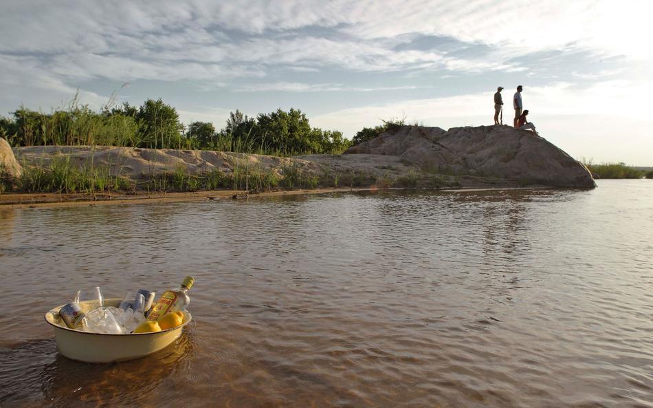 Rafraîchissement au bord de l'eau Kirkman's Camp