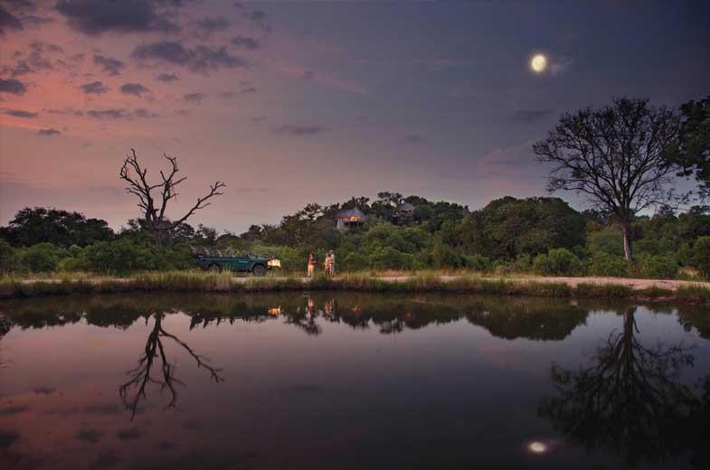 Splendide Coucher de Soleil Leopard Hills
