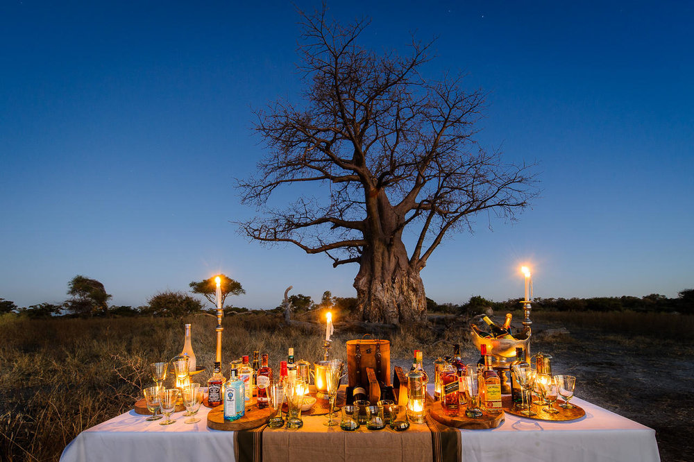 Dîner aux chandelles dans le bush Mombo Camp