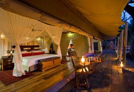 Chambre et table Zarafa Camp