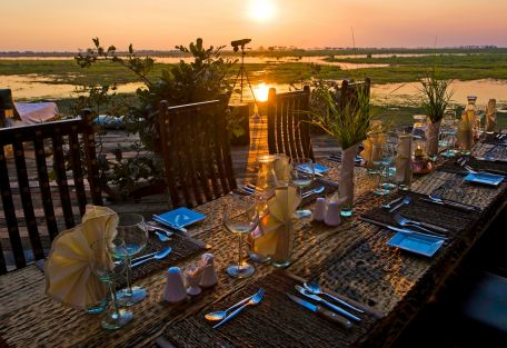 Sundowner sur table à dîner Zarafa Camp