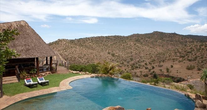 Vue extérieure jardin et piscine sur la vallée Borana Lodge