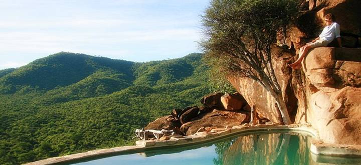 Piscine avec vue Vallée Tassia Lodge