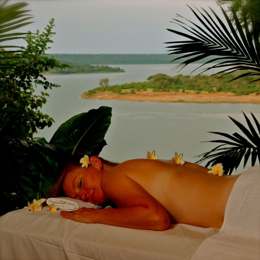 Massage au bord de la Rivière Mweya Safari Lodge