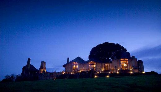 Vue extérieure de nuit Ngorongoro Crater Lodge