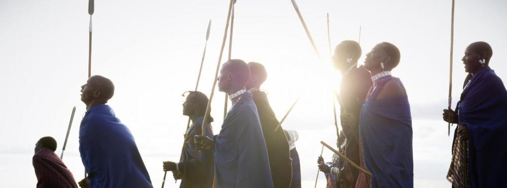 Groupe de Masais avec lances Entamanu Ngorongoro Lodge