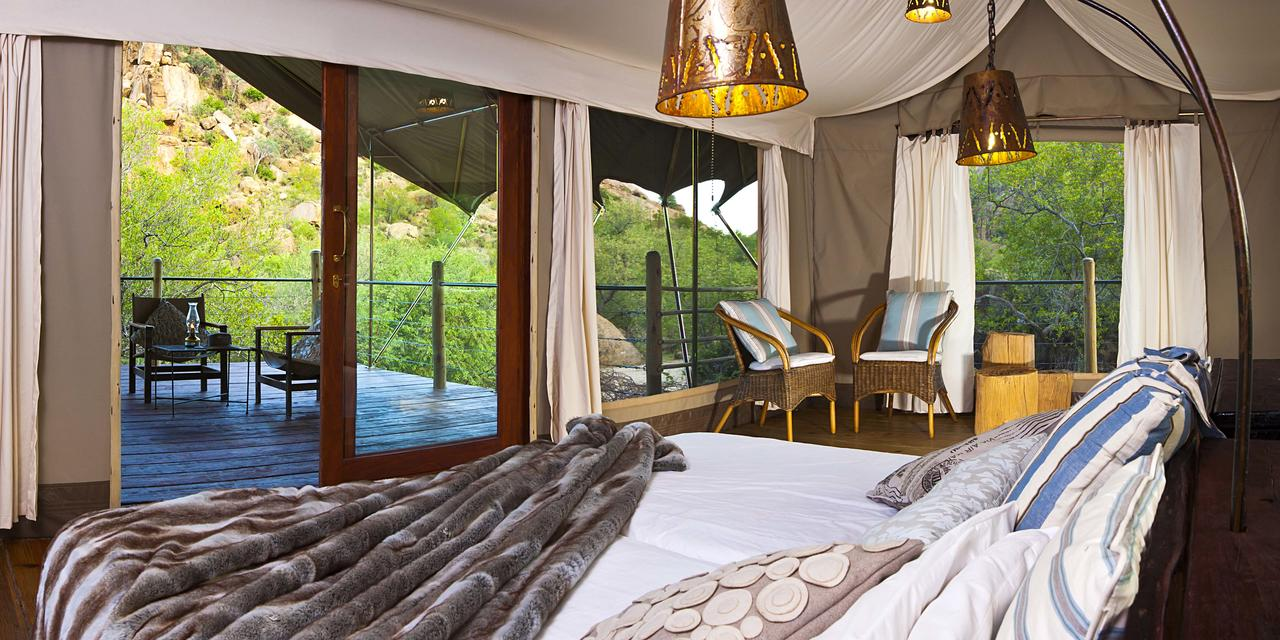Chambre et Terrasse Erongo Wilderness Lodge