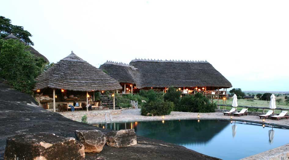 Piscine Apoka Safari Lodge