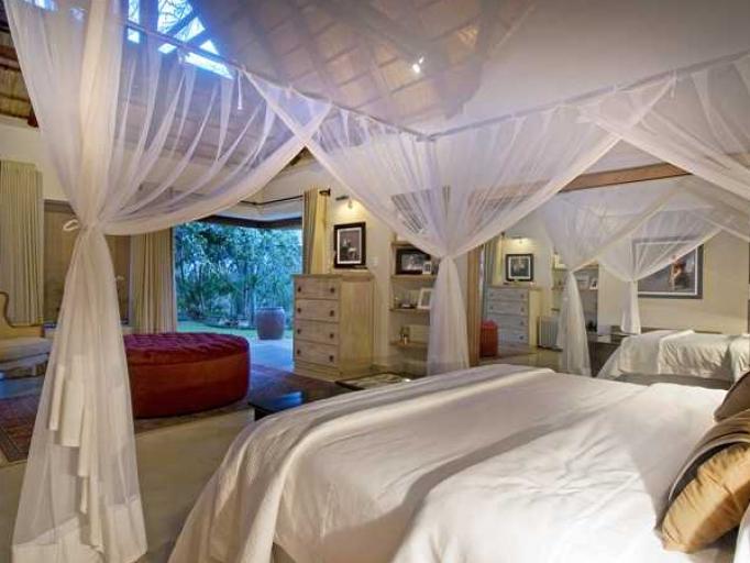 Lit au Khaya Ndlovu Manor House