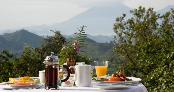 Petit déjeuner Clouds Mountain Gorilla Lodge