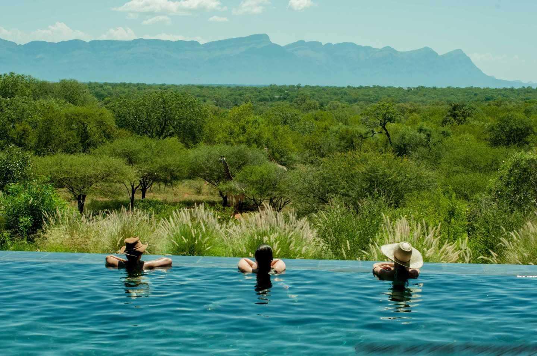 Safari beautés sud-africaines et détente au Spa - piscine de Khaya Ndlovu
