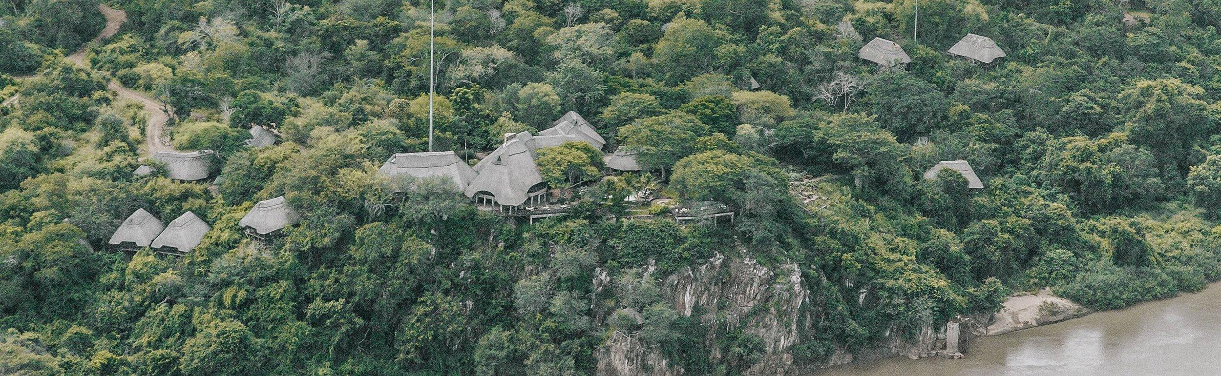 Vue aérienne du Chilo Gorge lodge