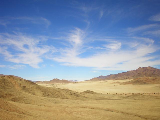 Trek dans le désert namibien - entre ciel et désert
