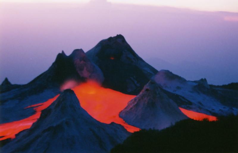 Trek sur l'Oldoinyo Lengai - Lengai en éruption