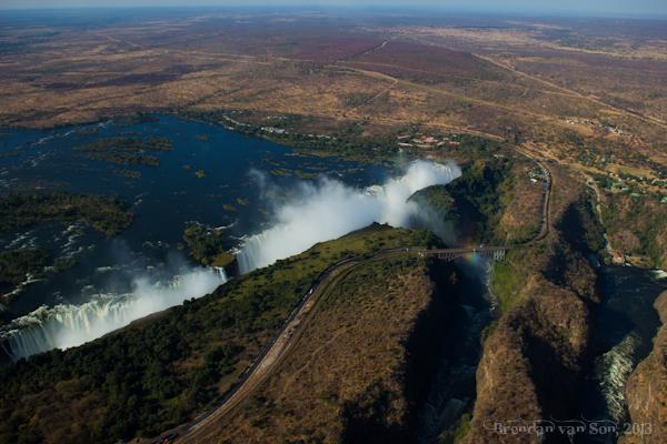 Survolez les chutes Victoria en hélicoptère - les chutes Victoria
