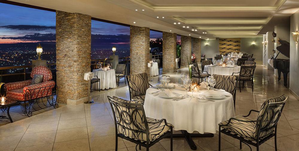 Terrasse de restaurant Hôtel des Milles Collines