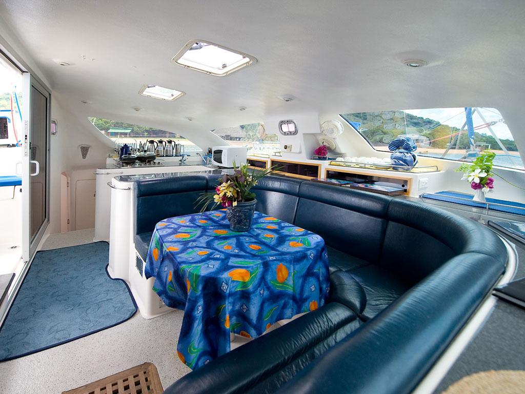 Croisière au Malawi - repas yacht mufasa