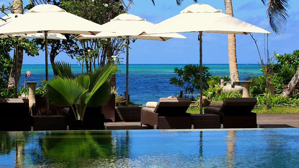 Voyage de noces Kruget et Seychelles - piscine à Dhevatara