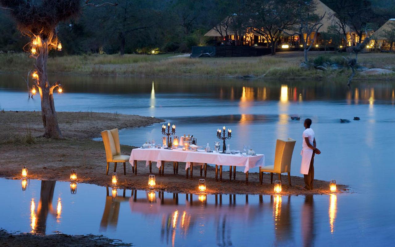 Voyage de noces Kruget et Seychelles - repas romantique à Chitwa