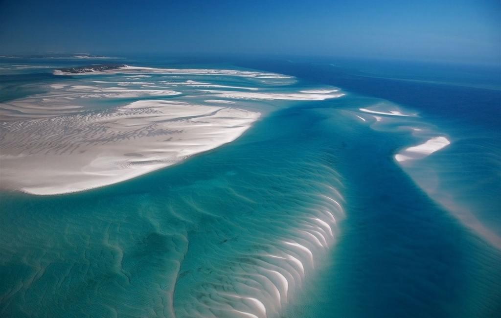 Vue aérienne de Azura Benguerra Island