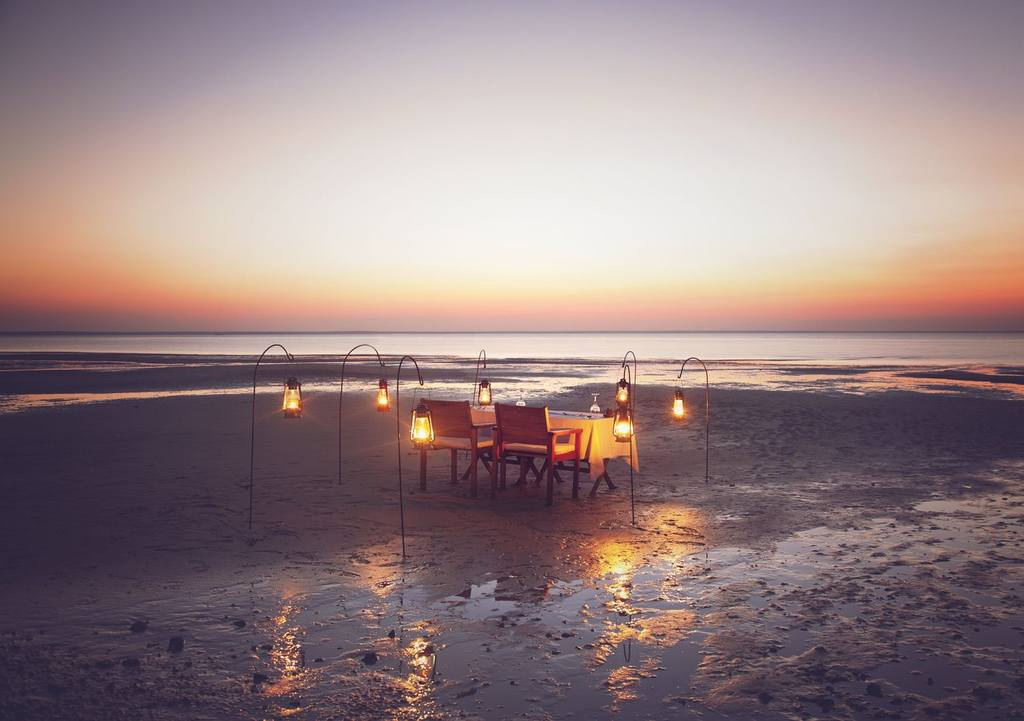 Coucher de soleil à Azura Benguerra Island