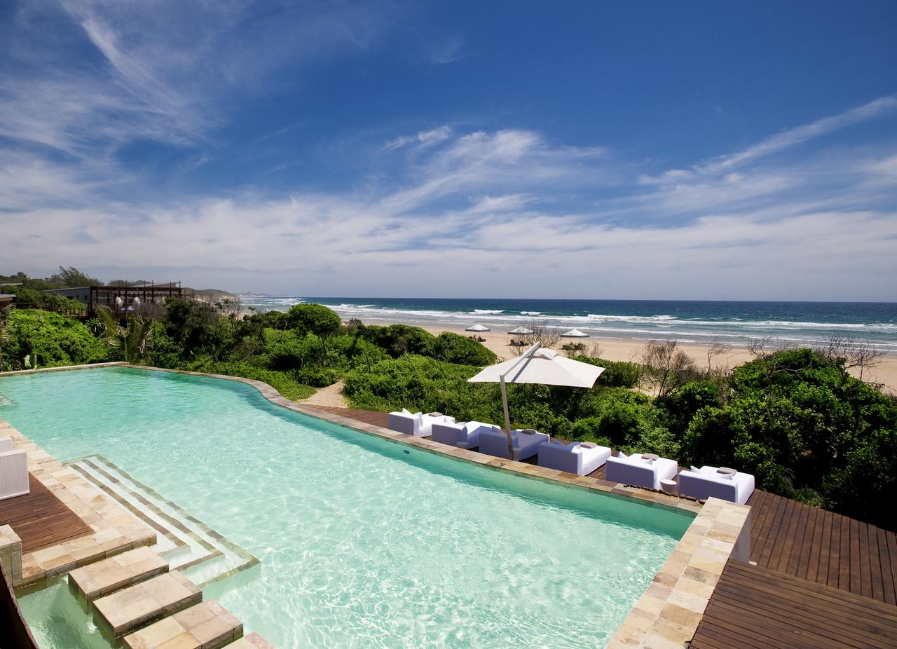 Vue depuis la piscine du White Pearl Resorts
