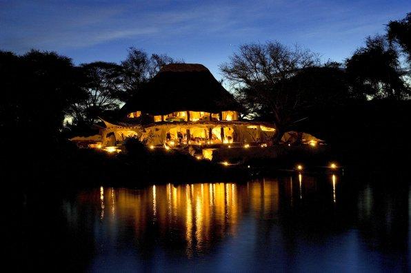 Chongwe River House illuminé