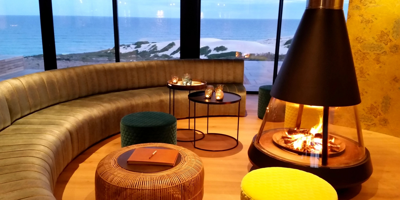 Morukuru-Beach-Lodge-fireplace-in-restaurant.jpg