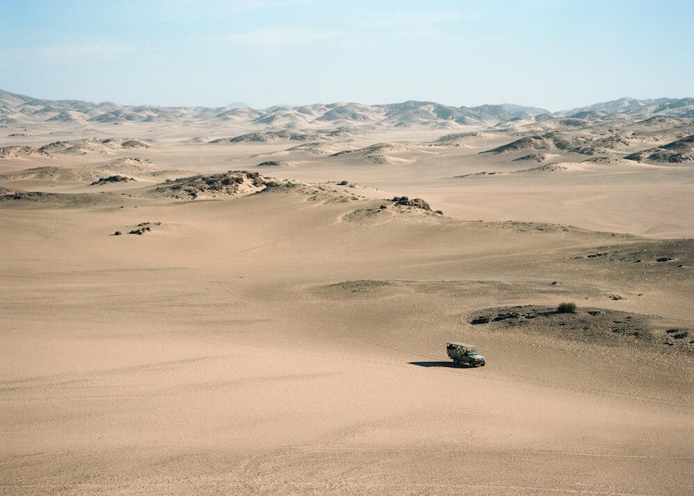 19Hoanib-Valley-Activities-Driving-through-the-dunes1.jpg