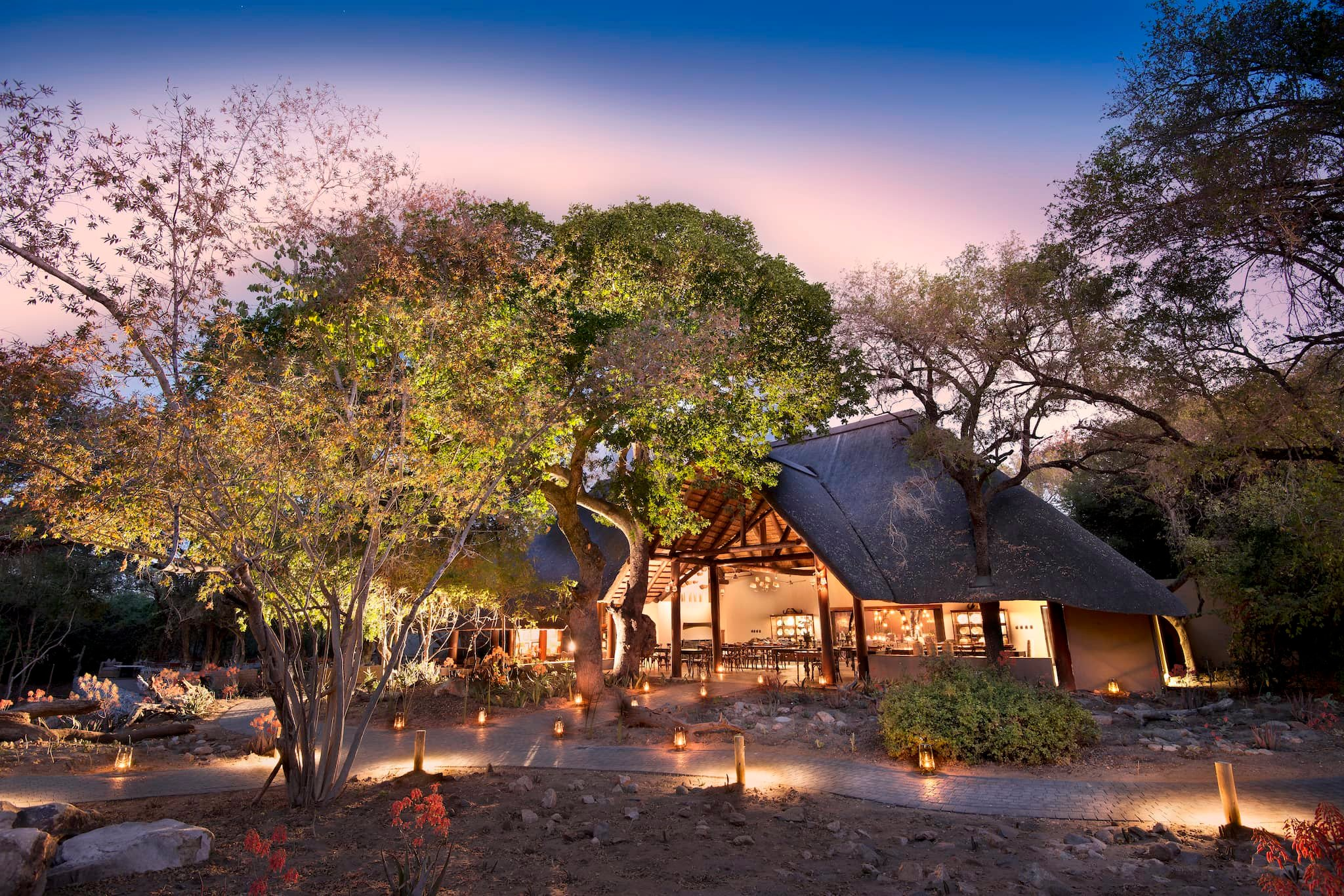 andBeyond-ngala-safari-lodge-exterior-view-01.jpeg