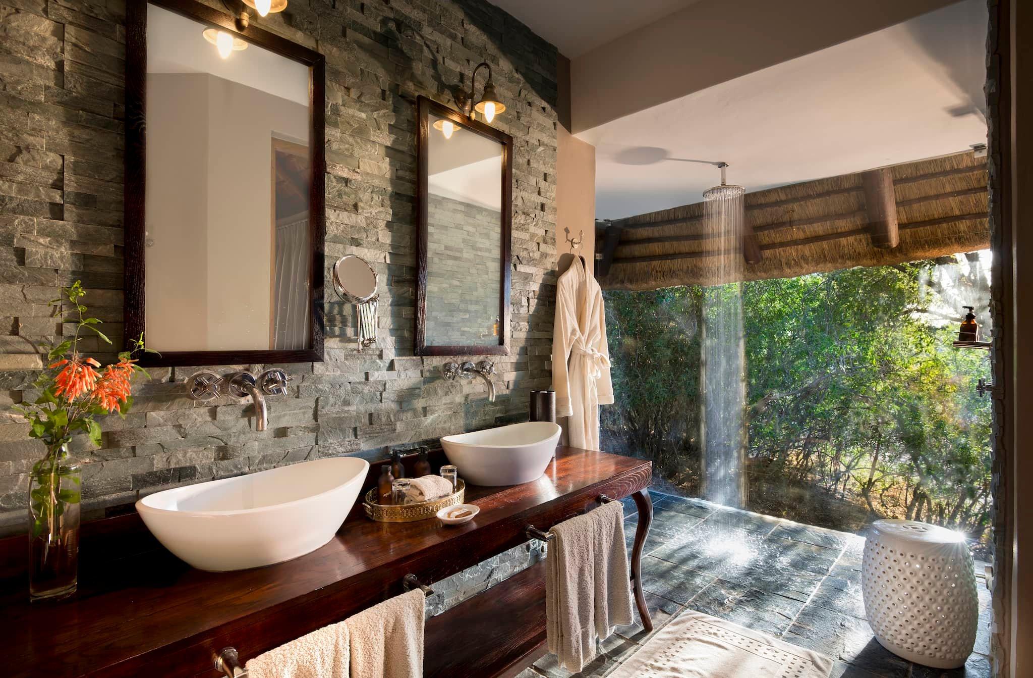 andBeyond-ngala-safari-lodge-interior-family-suite-bathroom-02.jpeg